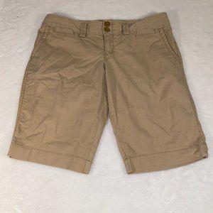 American Eagle classic khaki bermuda shorts 10